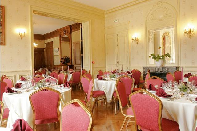 Château de Montbraye - Les salons de réception 2