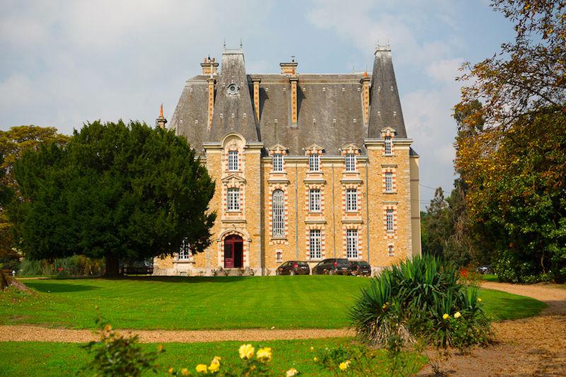 Château de Montbraye - Vue extérieure 2