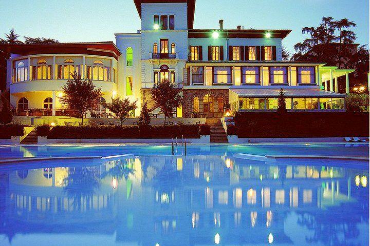 Casino Partouche de Saint Galmier Le Lion Blanc - La Piscine de nuit
