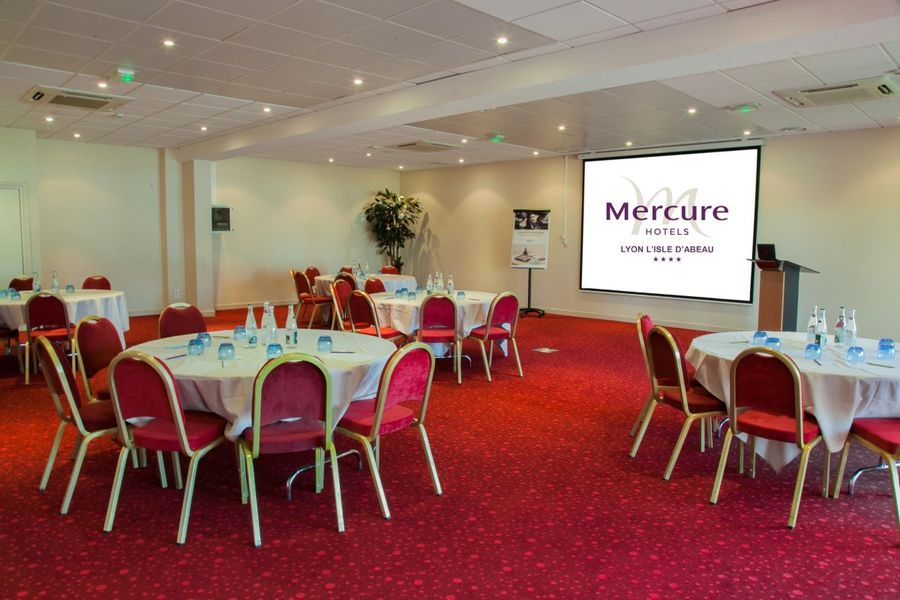 Hotel Mercure Lyon L'Isle d'Abeau - Salle Aston Martin (2)