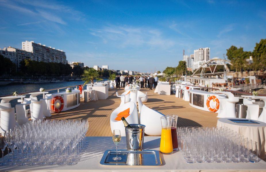 Yacht Diamant Bleu - Cocktail sur la terrasse