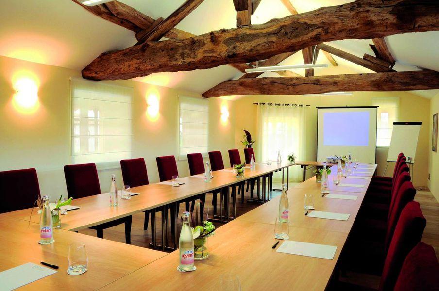 Chateau de Besseuil - Salle de réunion (1)