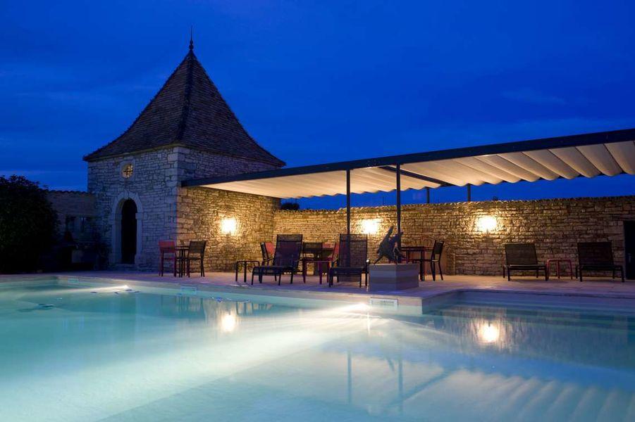 Chateau de Besseuil - Piscine de nuit