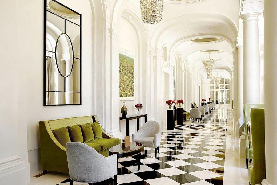 Trianon Palace Versailles - Corridor