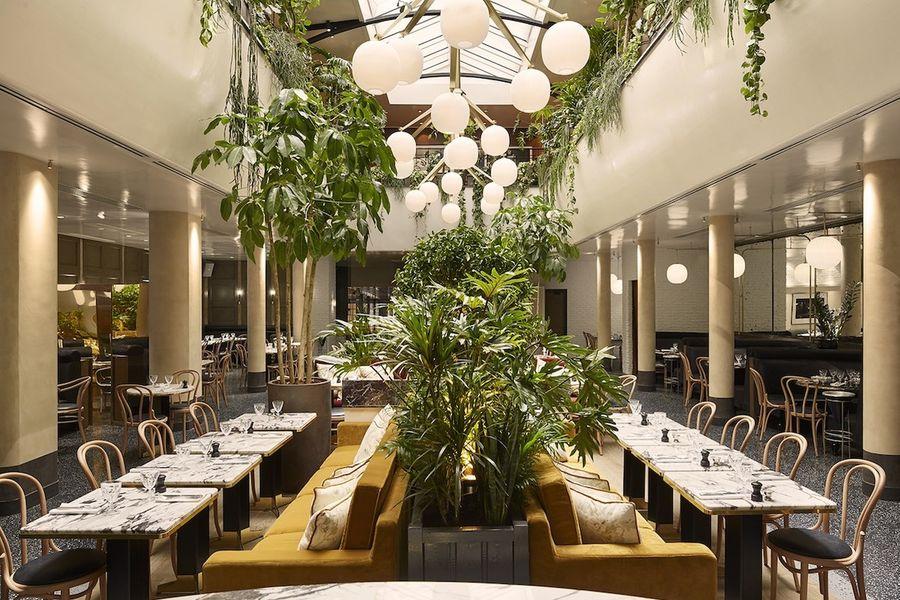 Alcazar - Salle de restaurant sous la verrière