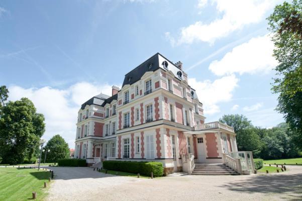 Domaine du manet exterieur chateau