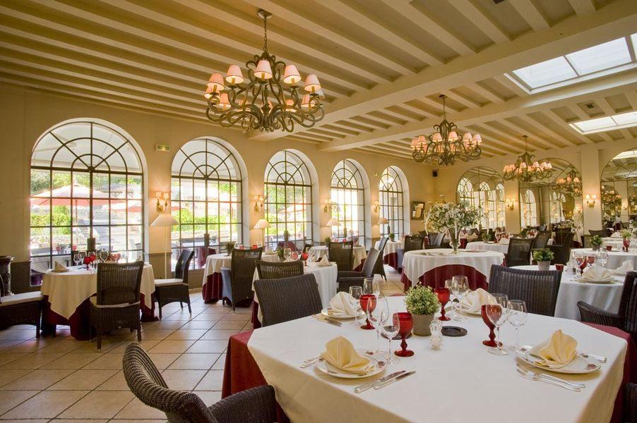 Chateau de courban spa - Le Restaurant (8)