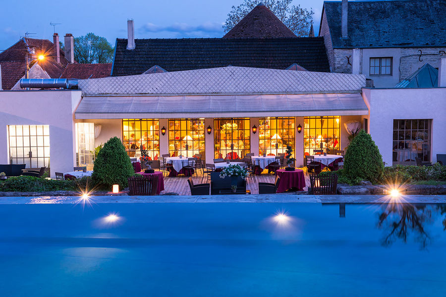 Chateau de courban spa - Piscine & Restaurant