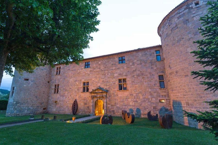 Château des Ducs de Joyeuse - Vue extérieure 3