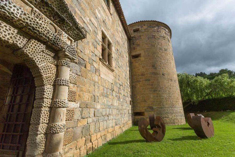 Château des Ducs de Joyeuse - Vue extérieure 2