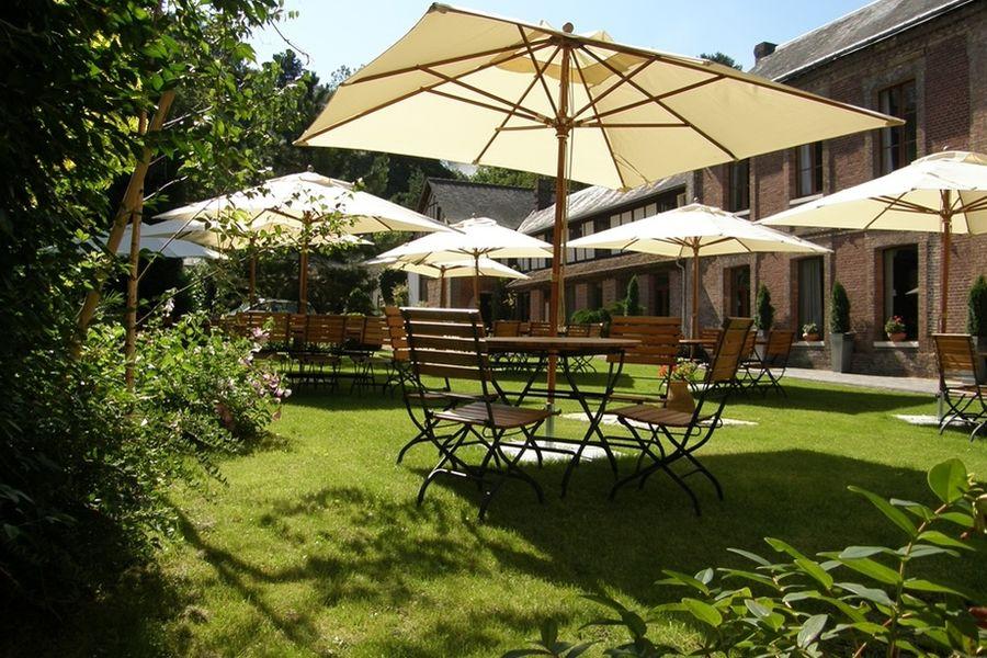 Hôtel La Licorne - Les espaces extérieurs 3