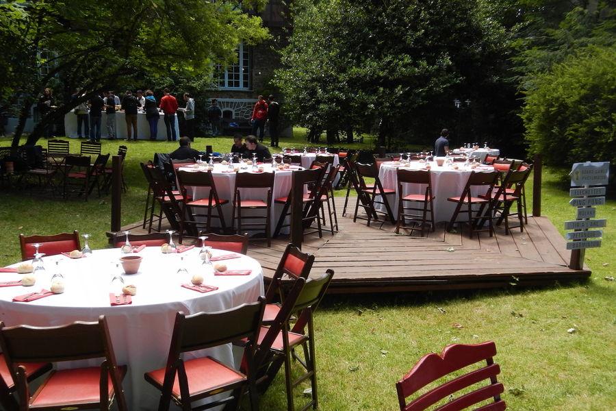 Manoir de l'Île aux Loups - Banquet dans le parc