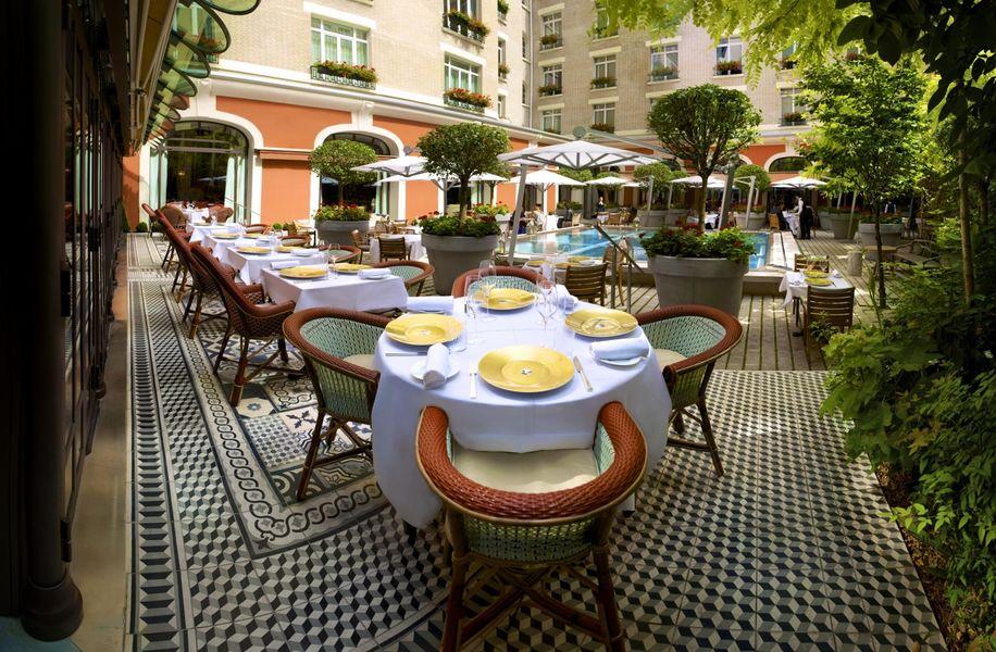 Le Royal Monceau Raffles Paris - Terrasse du Restaurant La Cuisine 1
