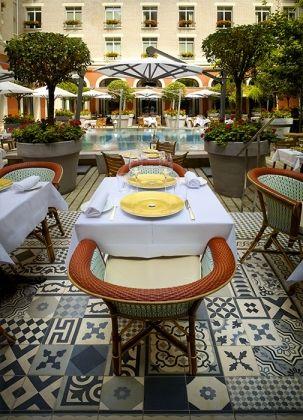 Le Royal Monceau Raffles Paris - Terrasse du Restaurant Il Carpaccio