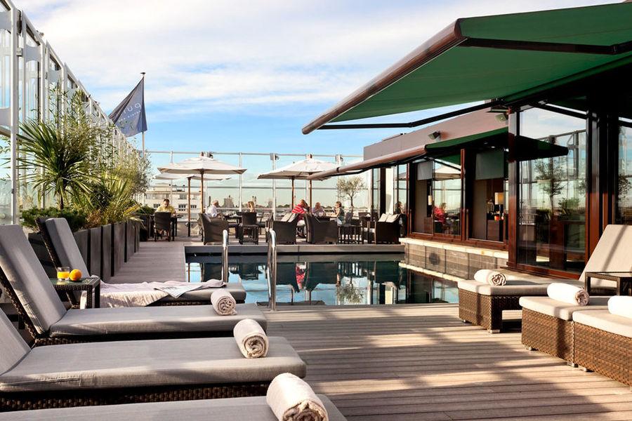 Pullman Montpellier Centre - Piscine sur le toit terrasse