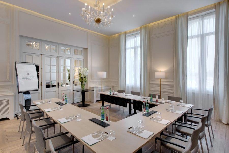 Grand Hôtel Saint Jean de Luz - Salle Arnage en disposition U