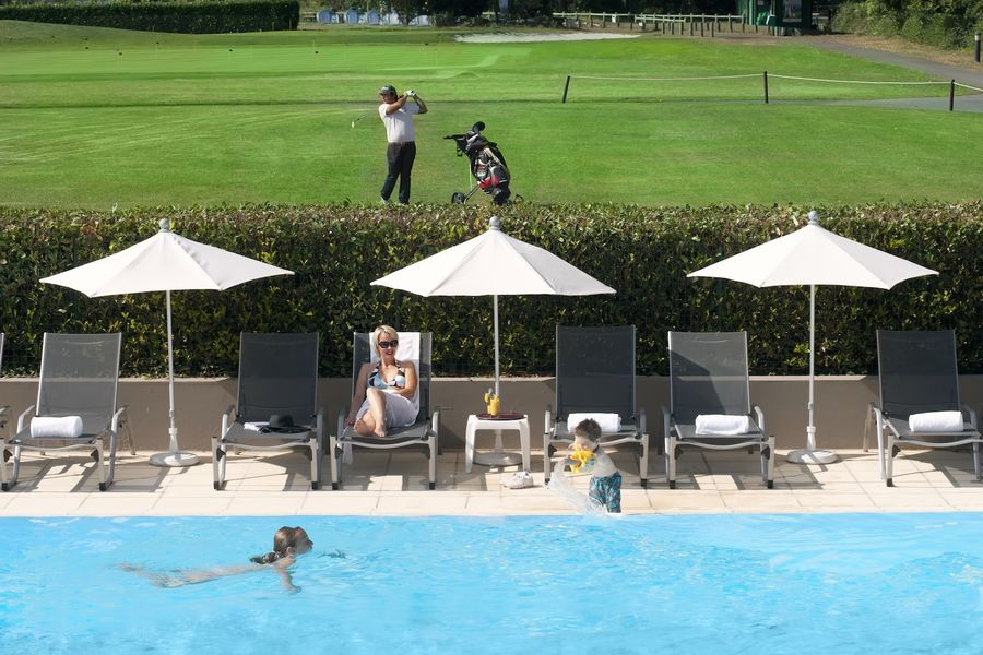 Dolce Chantilly - Piscine et golf