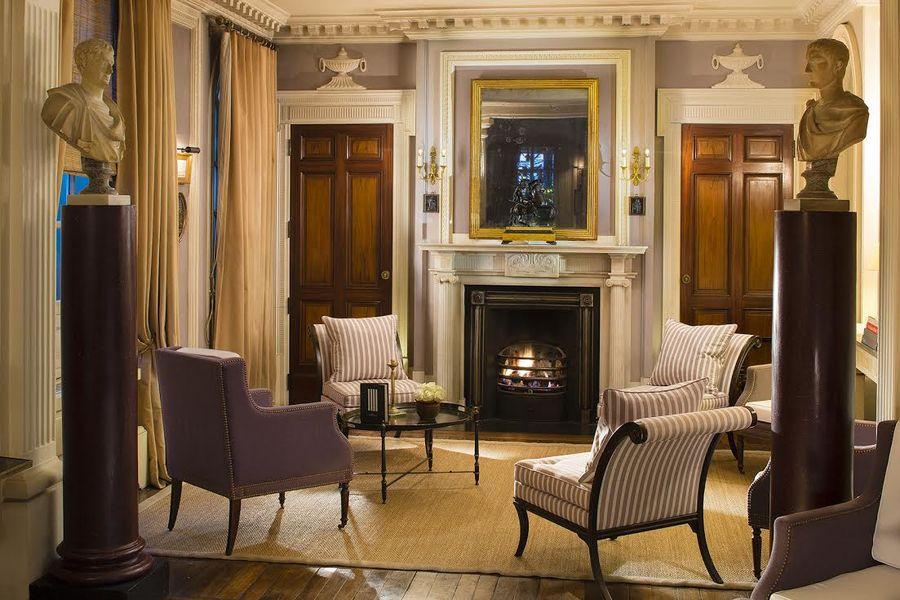 Le Dokhan's a Tribute Portfolio Hotel - Salon Cheminée