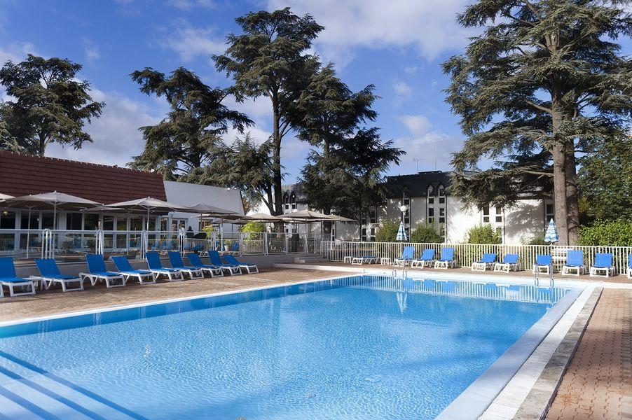 Hotel Mercure Parc du Coudray - Piscine 2
