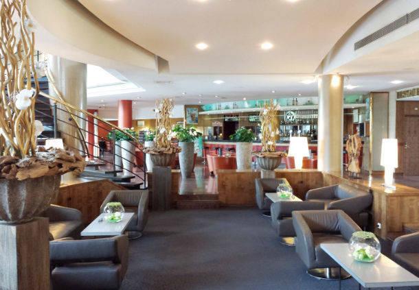 Paris Roissy Charles de Gaulle Airport Hôtel - Lobby bar