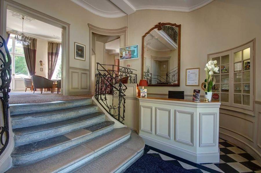Najeti Hôtel Château Cléry *** - Réception