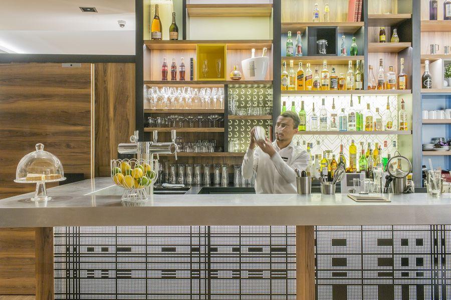Hôtel L'Elysée Val d'Europe - Bar