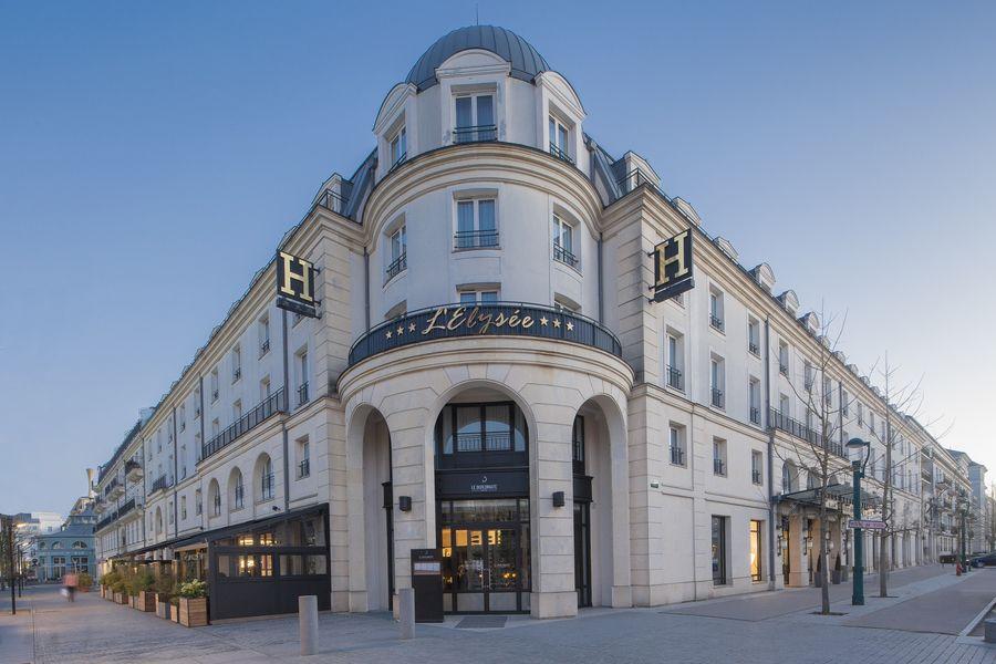 Hôtel L'Elysée Val d'Europe - Façade