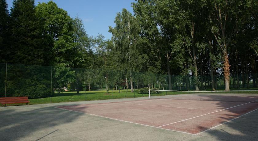 Najeti Hôtel Château Tilques **** - Terrain de tennis