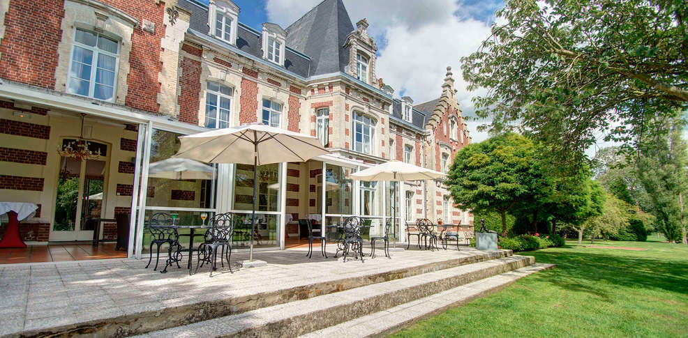 Najeti Hôtel Château Tilques **** - Terrasse