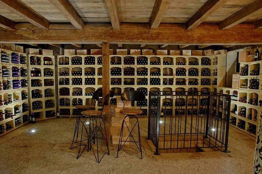 Le logis du Péré - Cave à vin