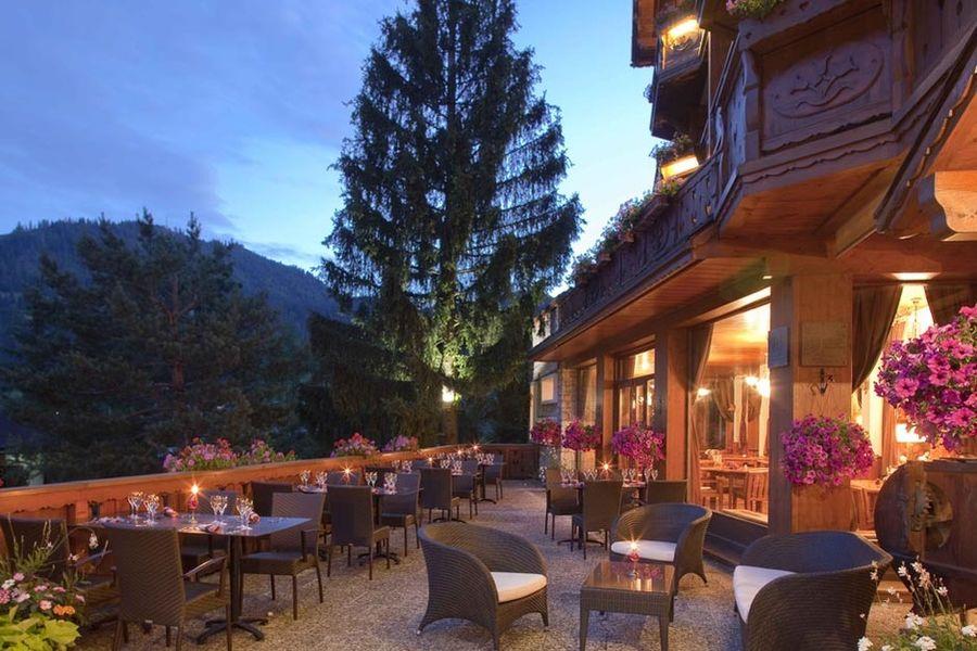 Hôtel Carlina - Terrasse - Restaurant
