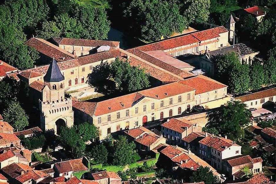 L'Hôtel Abbaye Ecole de Sorèze - Vue aérienne