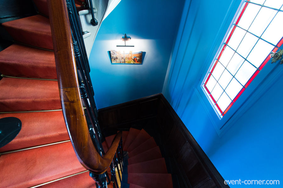 6 Mandel - Escalier