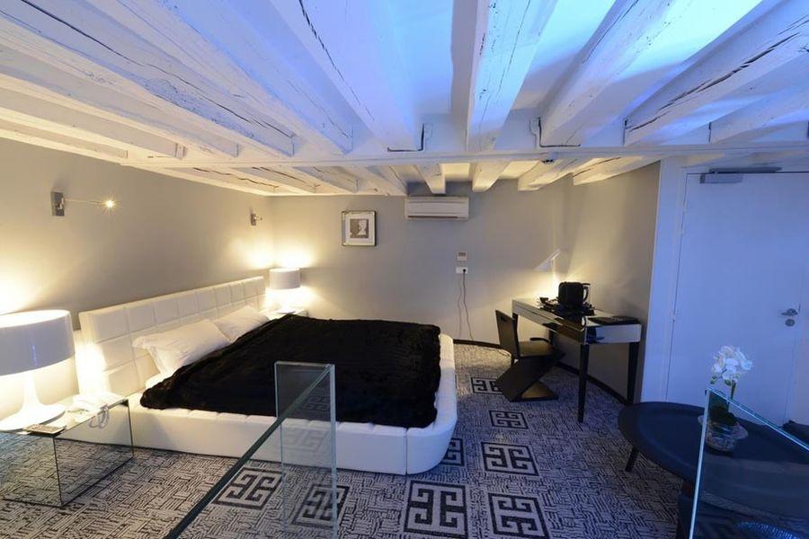Art Hotel - Chambre 4