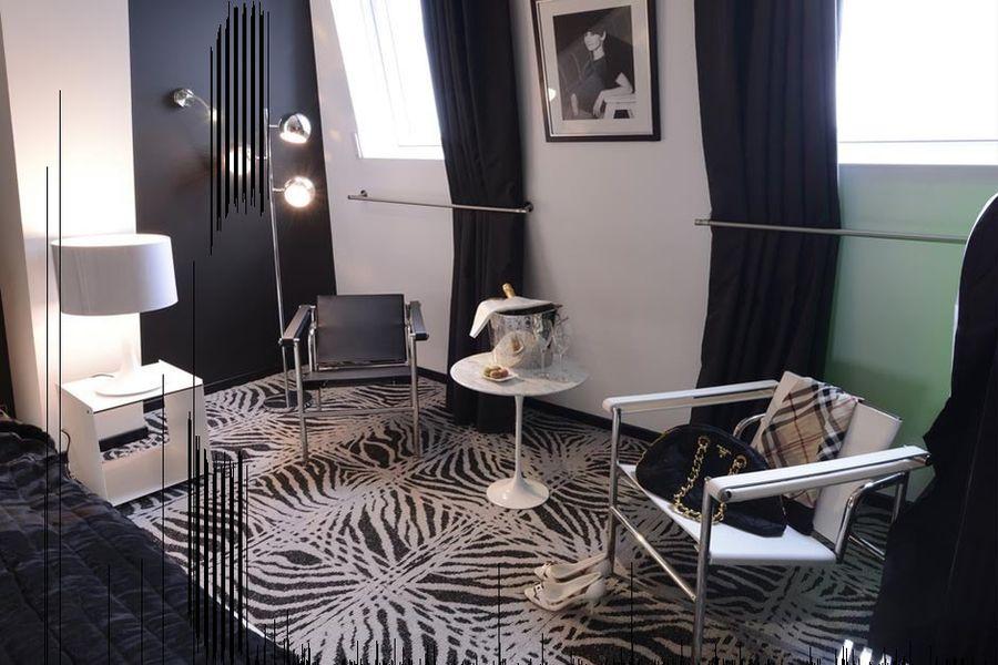 Art Hotel - Chambre 8