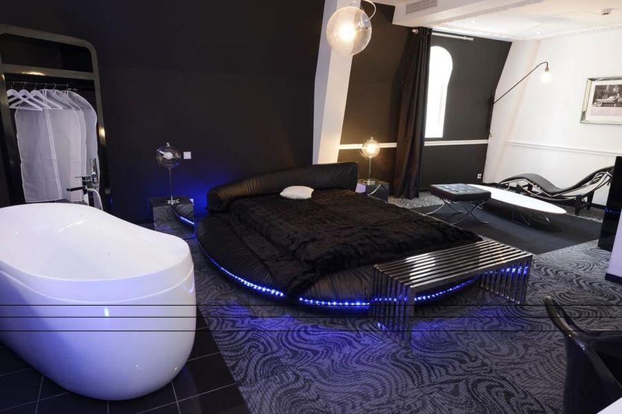 Art Hotel - Chambre 9