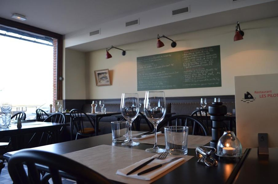 Les Pilotes - Salle de restaurant