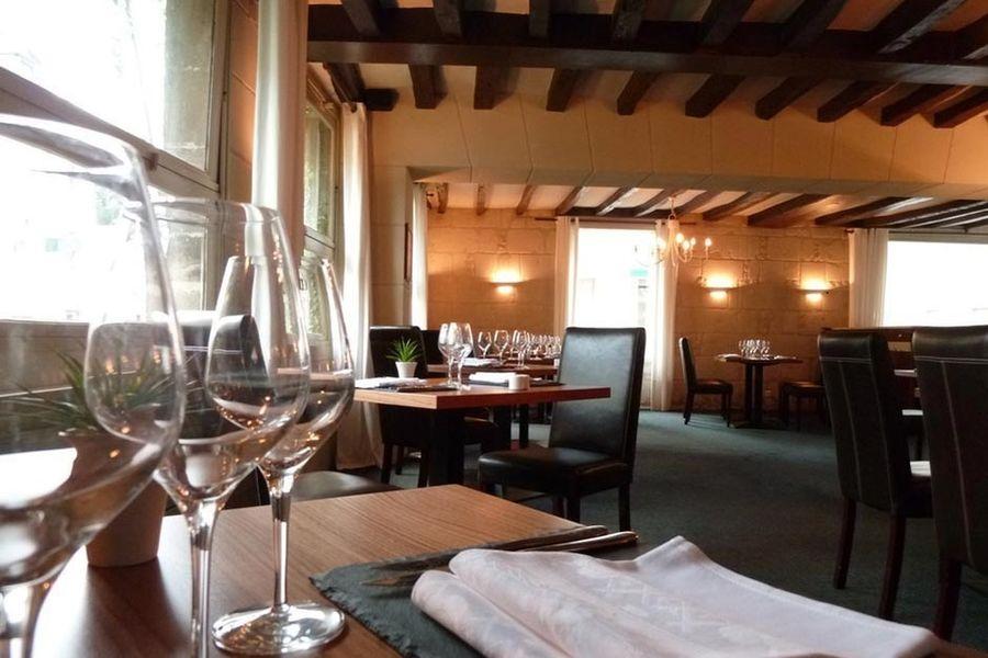 Hôtel Grand Monarque - Salle de restaurant