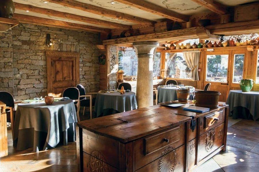 Hotel Restaurant La Bouitte - Salle de restaurant 2