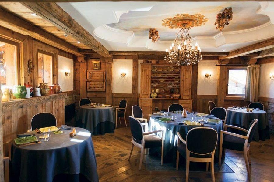 Hotel Restaurant La Bouitte - Salle de restaurant