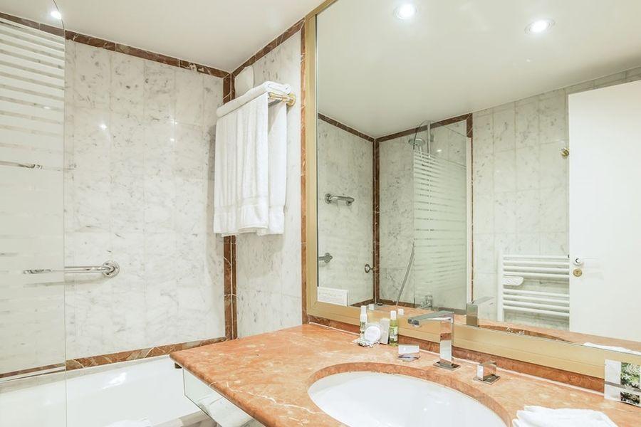Royal Garden Champs-Elysées - Salle de bain