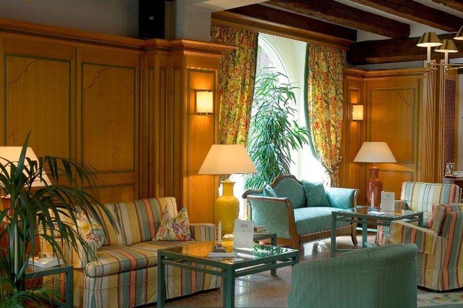 Hôtel À La Cour d'Alsace - Salon