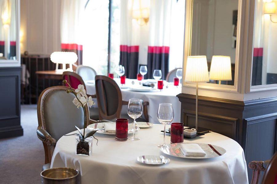 Ermitage de Corton - Salle de restaurant 2