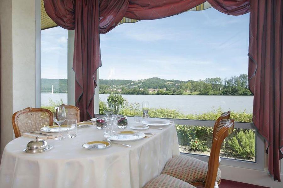 Le Beau Rivage - Salle de restaurant