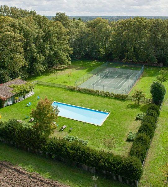 Château de la Bourdaisière - Piscine & Court de tennis
