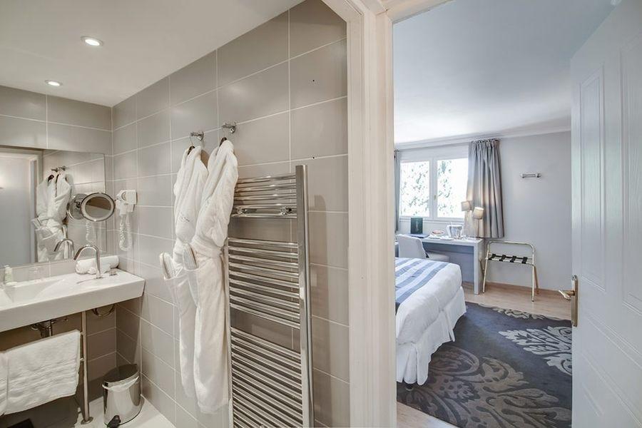 Hôtel Le Vallon de Valrugues & Spa - Salle de bain