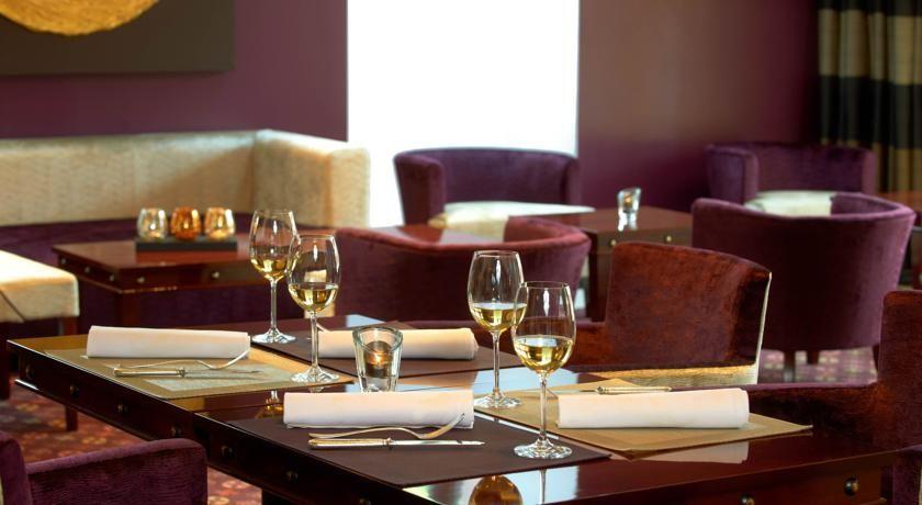Hostellerie des Châteaux & Spa - Salle de restaurant