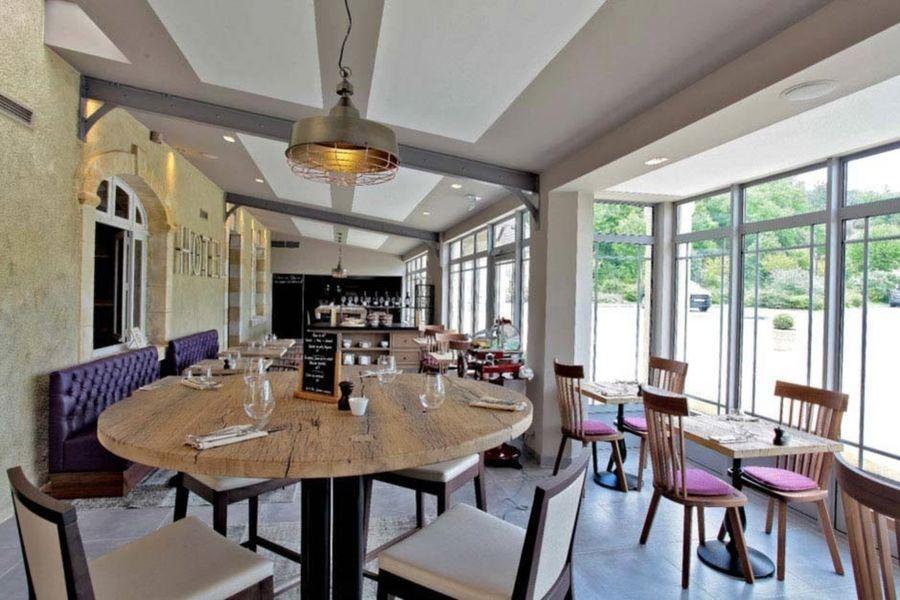 Hôtel Les Glycines & Spa - Salle de restaurant 3