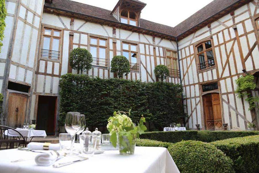 La Maison de Rhodes - s (1)