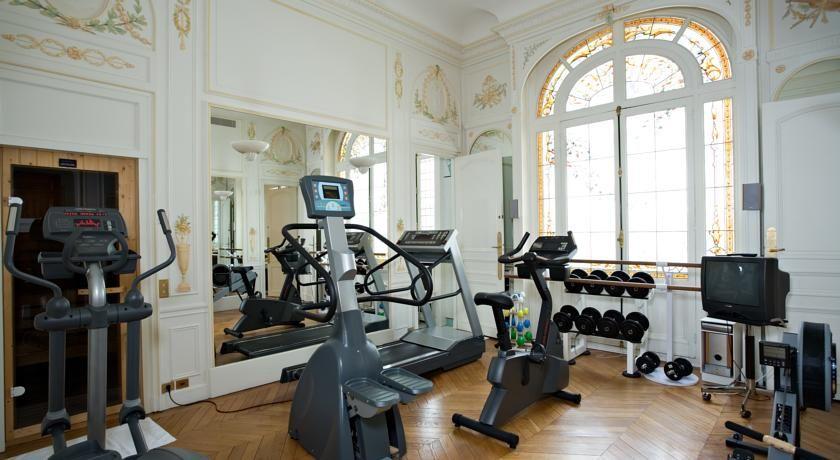 Raphael Hotel Paris 42